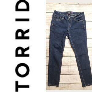 ♥️Torrid  Dark Wash Skinny Jean's. Size 12♥️